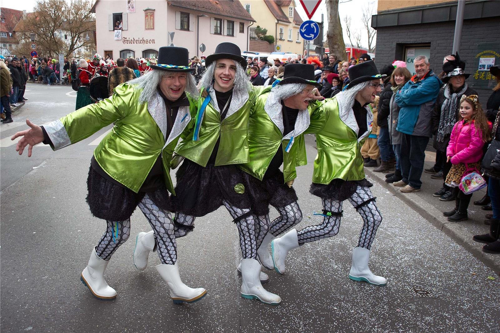 Association Les Machores<br /> . Fasnet 2017 · Ommzug in Rottenburg. Bild: Franke
