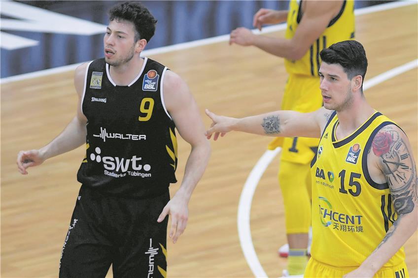 https://www.tagblatt.de/Nachrichten/Doppeltes-Comeback-371046.html http://www.tagblatt.de/Bilder/Da-gehts-in-Richtung-Playoffs-Bogdan-Radosavljevic-rechts-542390l.jpg