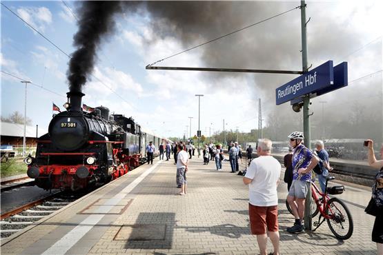Bosch Kühlschrank Pfeift : Schwäbisches tagblatt