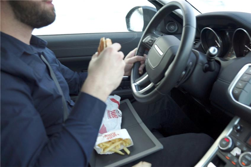 CleanTab – das smarte Essenstablett. Mit CleanTab krümelfrei mobil essen.