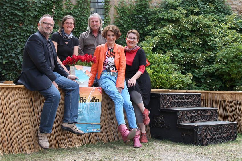 https://www.tagblatt.de/Nachrichten/Ein-Musenkind-des-Olymp-376927.html http://www.tagblatt.de/Bilder/Hans-Joerg-Lund-spielte-am-Klavier-Traenen-fuer-Walter-Auf-557417l.jpg