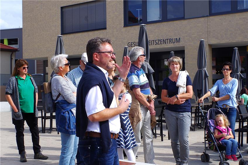 https://www.tagblatt.de/Nachrichten/Der-Ritter-von-der-gar-nicht-so-traurigen-Gestalt-376921.html http://www.tagblatt.de/Bilder/Regisseur-Jan-JochymskiBild-LTT-557419l.jpg