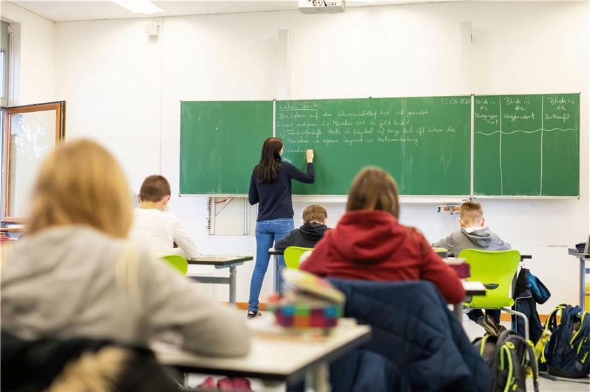 Nach Dem Unterricht Mit Der Lehrerin Gefickt