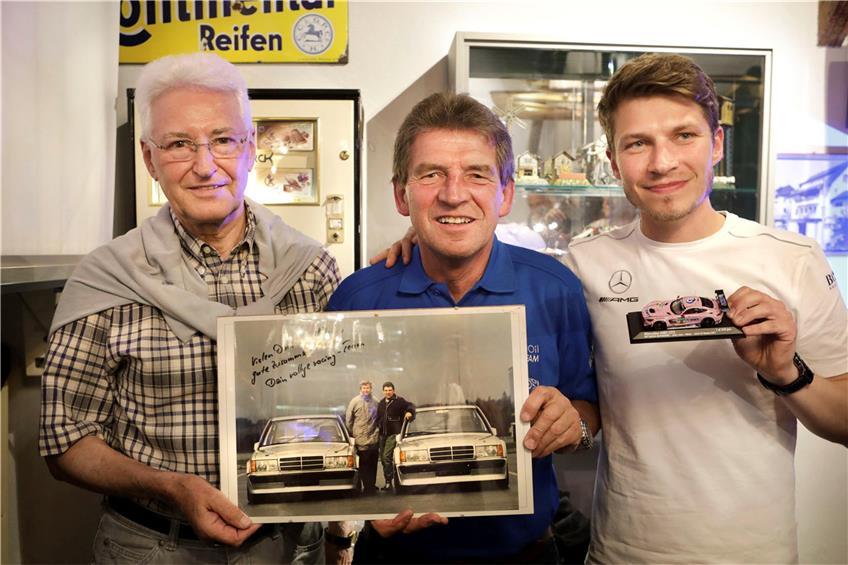 https://www.tagblatt.de/Nachrichten/Fantastischer-Sound-371022.html http://www.tagblatt.de/Bilder/Veteranen-des-Motorsports-Gerhard-Lepler-Roland-Asch-und-542358l.jpg